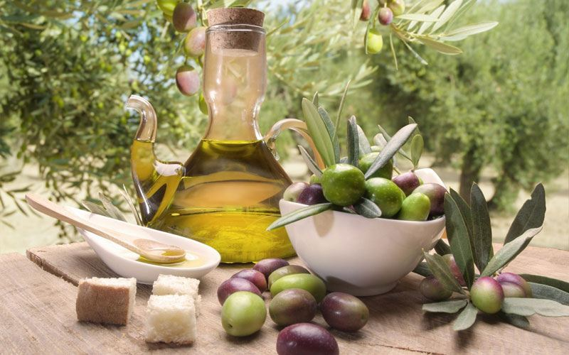 Olive oil gifts from puglia