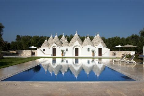 Villa Serena Luxury trulli with pool near Ostuni