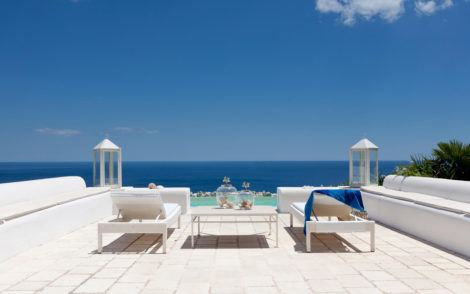 Luxury Villa by the beach in Puglia for rent