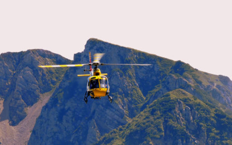 alpine-chalet-helicopter