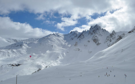 courchevel-ski-chalet-slopes